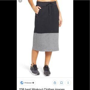 NWT Nike Tech fleece skirt size small